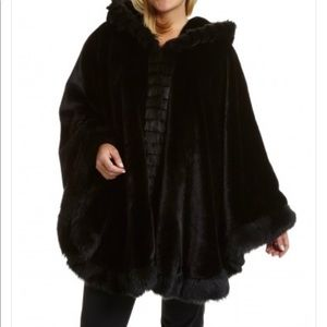 LUXE Especially Yours Faux Fur Hooded Cape Size OS